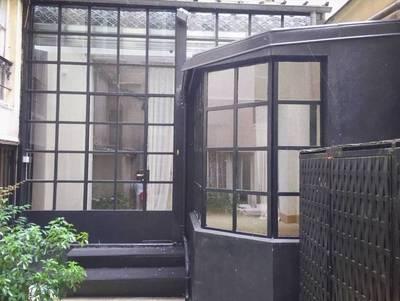Location ou cession local commercial 120m� Paris 1Er - 1.800€