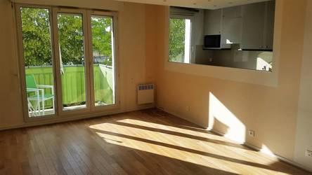 Location appartement 2pi�ces 50m� Pontoise (95) - 895€