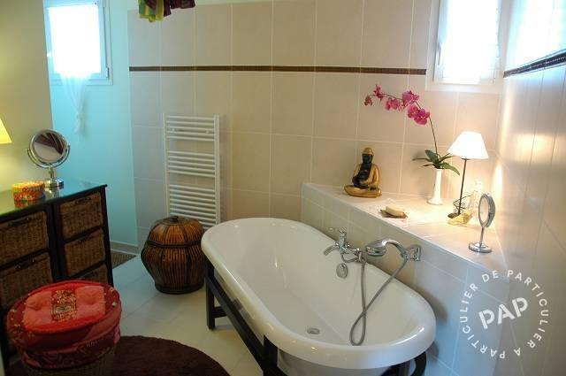 location meubl e maison 140 m sarrians 84260 140 m de particulier. Black Bedroom Furniture Sets. Home Design Ideas