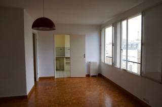 Location studio 32 m² Paris 15E - 1.070 €