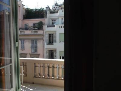 Location meubl�e appartement 4pi�ces 97m� Nice (06) - 1.550€