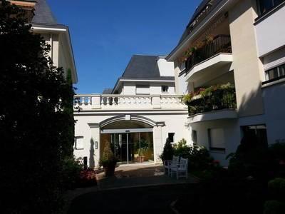 Location r�sidence avec services 50m� Nogent-Sur-Marne (94130) - 1.170€