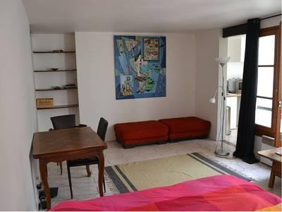 Location studio 30m� Paris 9E - 950€