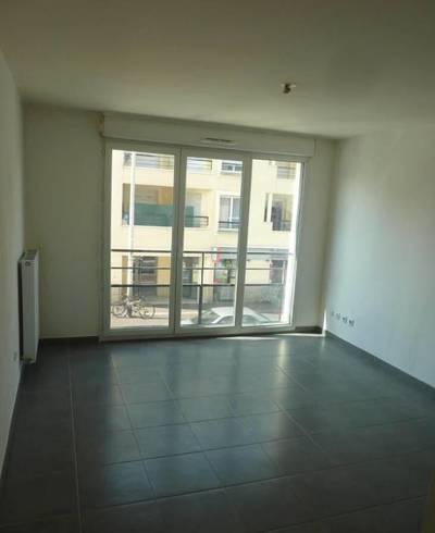 Location appartement 2pi�ces 38m� Paris 19E - 890€