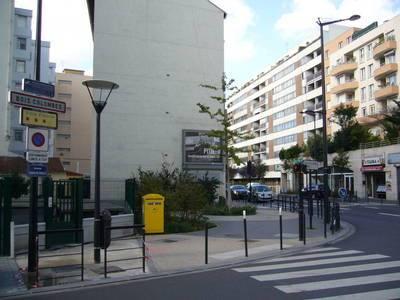 Location appartement 3pièces 65m² Asnieres-Sur-Seine (92600) - 1.226€