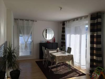 Location meublée appartement 4pièces 88m² Nanterre (92000) - 2.040€