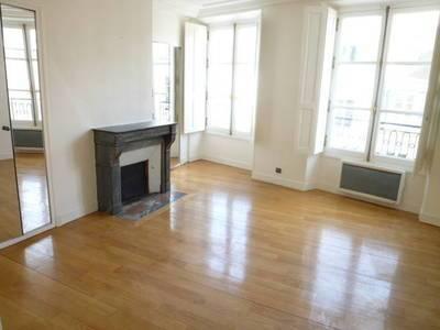 Location appartement 3pi�ces 86m� Paris 3E - 2.495€