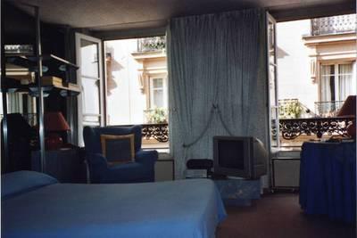 Location meubl�e studio 35m� Paris 3E - 1.300€
