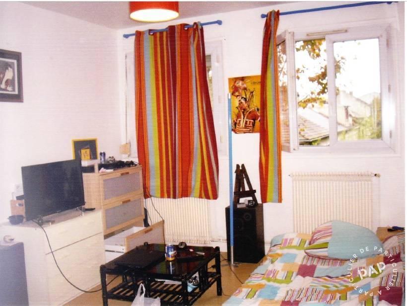 Location appartement saint ouen 93400 appartement for Appartement atypique saint ouen