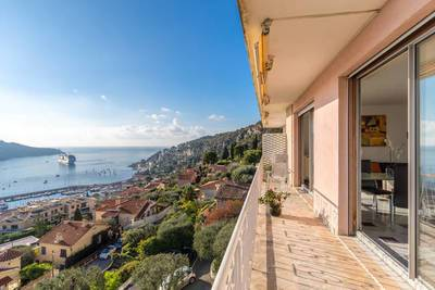 Location meublée appartement 2pièces 87m² Villefranche-Sur-Mer (06230) - 1.570€