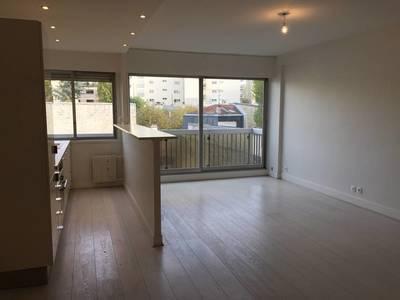 Location appartement 2pièces 60m² Paris 16E - 1.790€