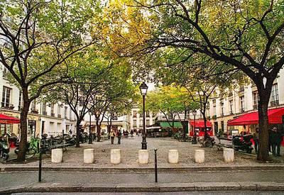 Location meublée studio 24m² Paris 4E - 1.080€