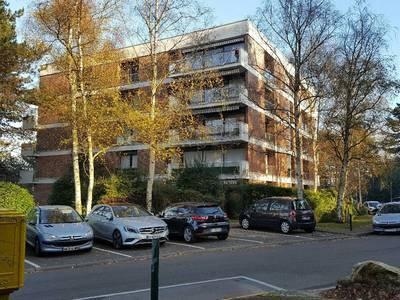 Location appartement 5pièces 110m² Jouy-En-Josas (78350) - 1.650€