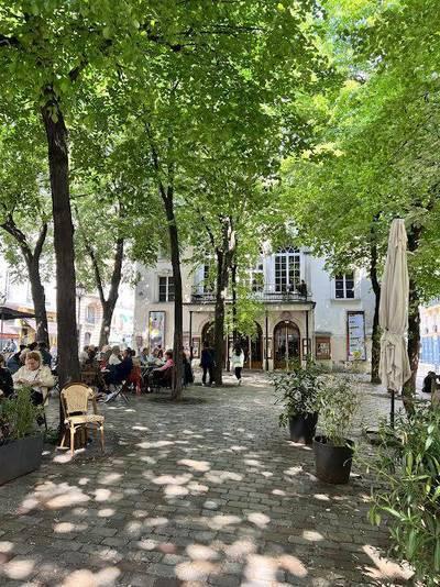 Location appartement 2pièces 53m² Paris 18E - 1.850€