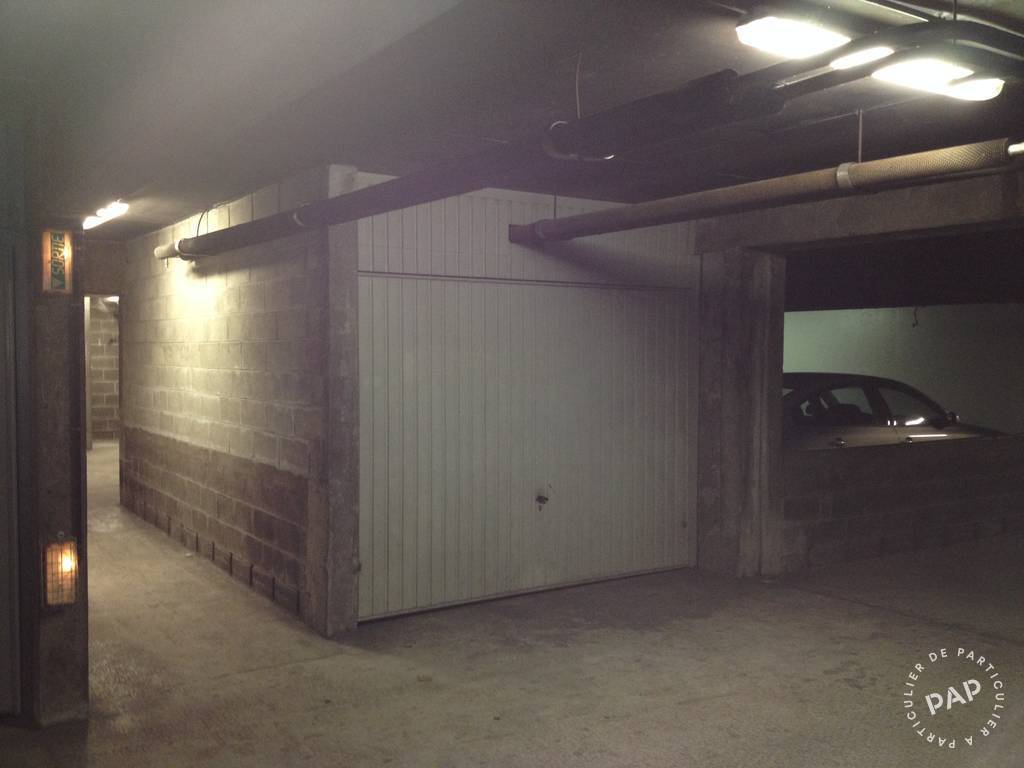 Location garage parking paris 12e 150 de for Location box garage particulier