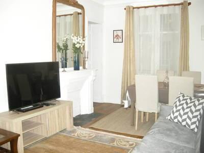 Location meublée appartement 2pièces 51m² Paris 15E - 1.755€