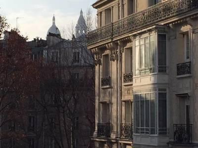 Location meublée studio 29m² Paris 18E - 1.005€