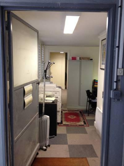 Bureaux, local professionnel Paris 16E - 65m² - 650€