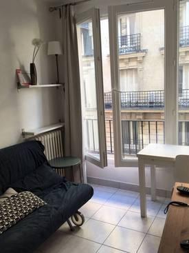 Location meublée studio 14m² Paris 16E - 690€