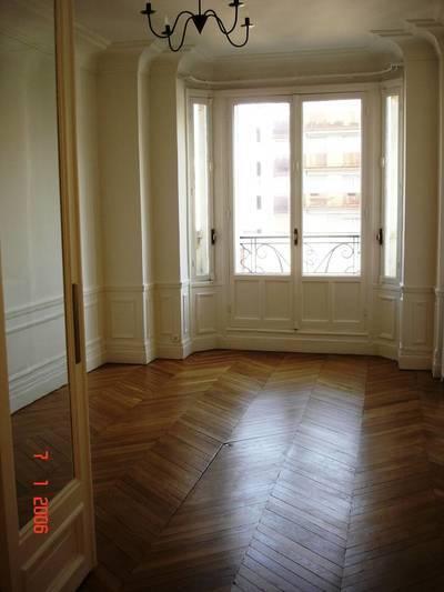 Location appartement 3pièces 68m² Paris 7E - 2.450€
