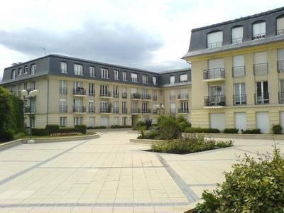 Fontainebleau (77300)