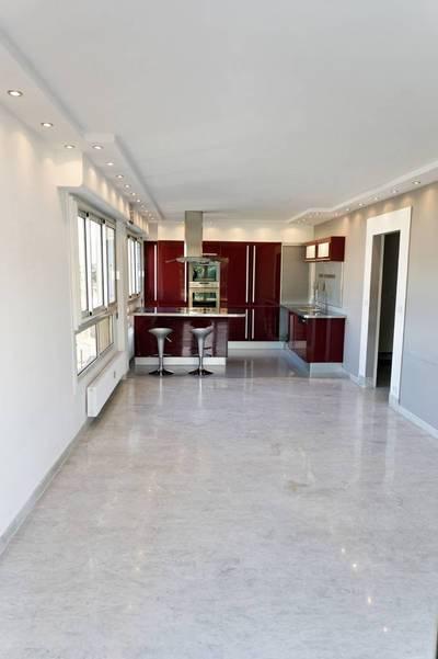 Location appartement 3pièces 64m² Grasse (06) - 800€