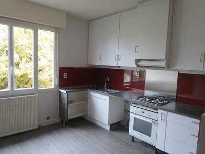 Location appartement 4pièces 90m² Nay (64800) Izeste