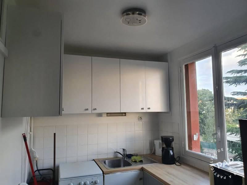 location meubl e appartement 4 pi ces 67 m bagneux 92220 67 m de particulier. Black Bedroom Furniture Sets. Home Design Ideas