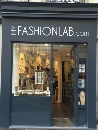 Location ou cession local commercial 10m² Paris 6E - 2.980€
