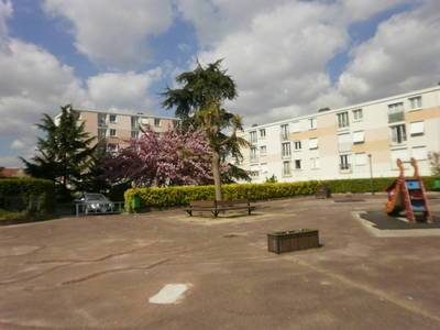 Location appartement 4pièces 75m² Neuilly-Sur-Marne (93330) - 1.070€