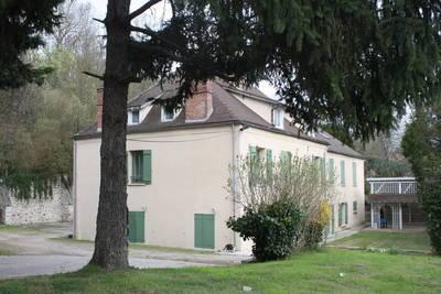 Location studio 19m² Fontaine-Le-Port (77590) - 510€