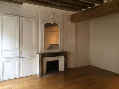 Location appartement 2pièces 56m² Paris 4E - 2.290€