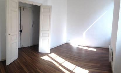 Location appartement 4pièces 78m² Marseille 6E - 1.010€