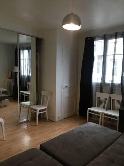 Location meublée studio 28m² Issy-Les-Moulineaux (92130) - 800€