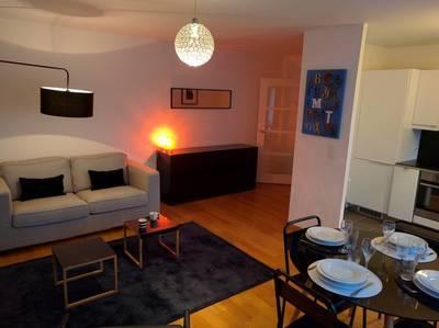 Location meublée appartement 3pièces 57m² Paris 7E - 2.500€