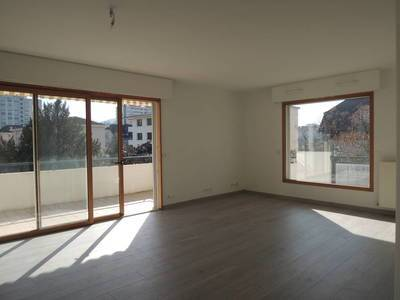 Location appartement 3 pièces 82 m² Annecy (74000) Jussy
