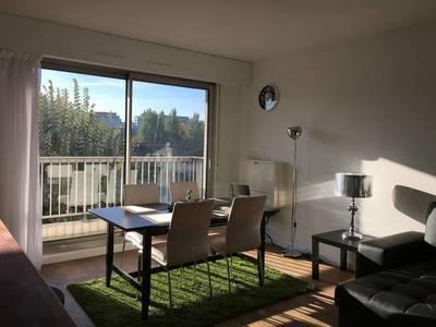 Location meublée appartement 2pièces 50m² Courbevoie (92400) - 1.600€
