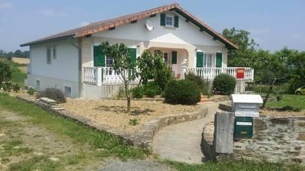 Location meublée maison 300m² Oneix Saint-Just-Ibarre