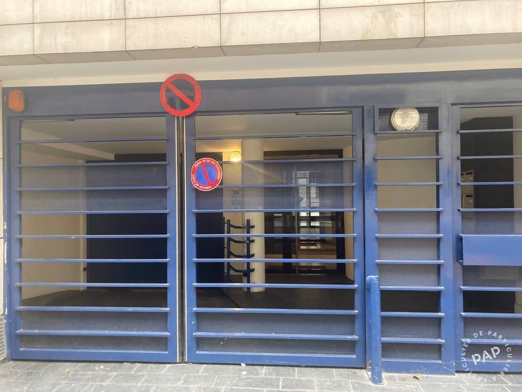 location garage parking paris 11e 110 e de particulier particulier pap. Black Bedroom Furniture Sets. Home Design Ideas