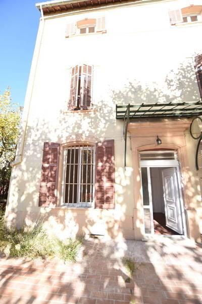 Location maison 180m² Marseille 11E