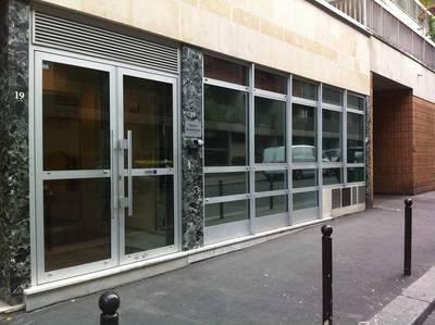 Location bureaux et locaux professionnels 10m² Paris 15E - 650€