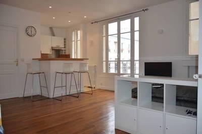 Location meublée studio 40m² Paris 17E - 1.390€