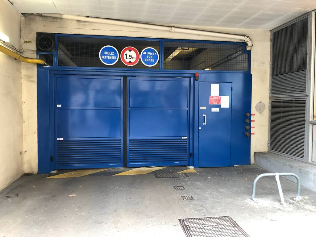 Location garage parking paris 12e 140 e de for Garage poniatowski paris 12 paris