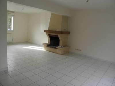 Location maison 90m² Prunay-En-Yvelines (78660) - 1.018€