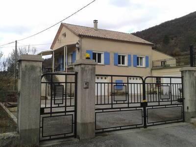 Location meublée maison 100m² La Rochette-Du-Buis (26170) Chauvac-Laux-Montaux