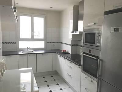 Location meublée appartement 2pièces 63m² Paris 16E - 1.965€