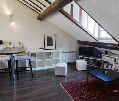 Location meublée studio 29m² Paris 8E - 1.030€