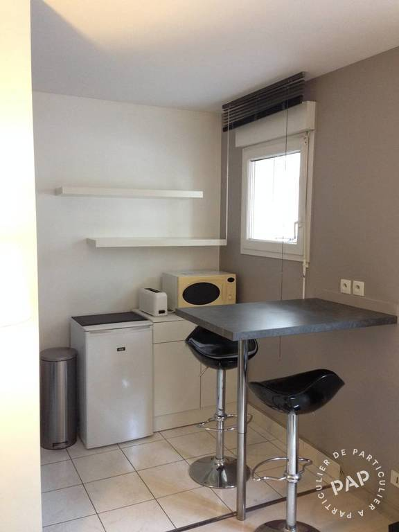 Location meubl e studio 26 m levallois perret 92300 for Bineau mural levallois perret