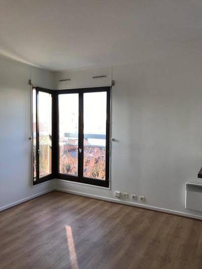 Location studio 26m² L'hay-Les-Roses (94240) - 660€