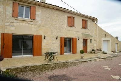 Location meublée maison 120m² Braud-Et-Saint-Louis (33820) - 1.110€